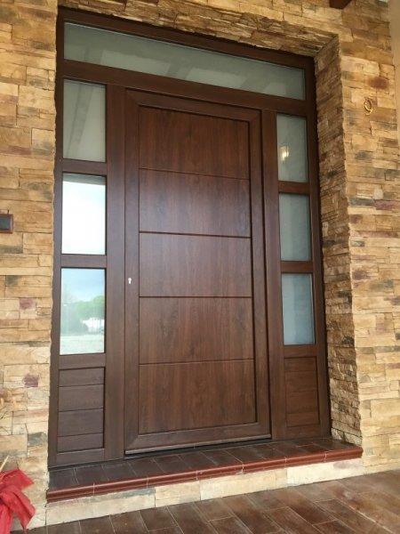 Puertas aluminio imitacion madera exterior excellent Puertas calle aluminio precios