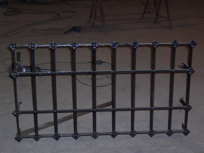 Puertas De Baño Metalicas:Rejas De Hierro Y De Aluminio Puertas De Seguridad Mamparas De Bano