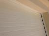 Remate superior puerta seccional blanca