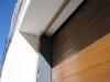 Puerta seccional multiacanalada instalada detalle sin rematar 2
