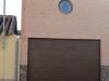 Puerta seccional instalada a obra nueva