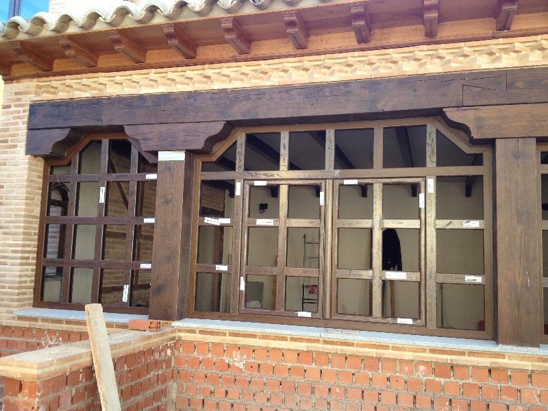 Ventanas rusticas mavero s l carpinter a y ventanas for Ventanales elevables