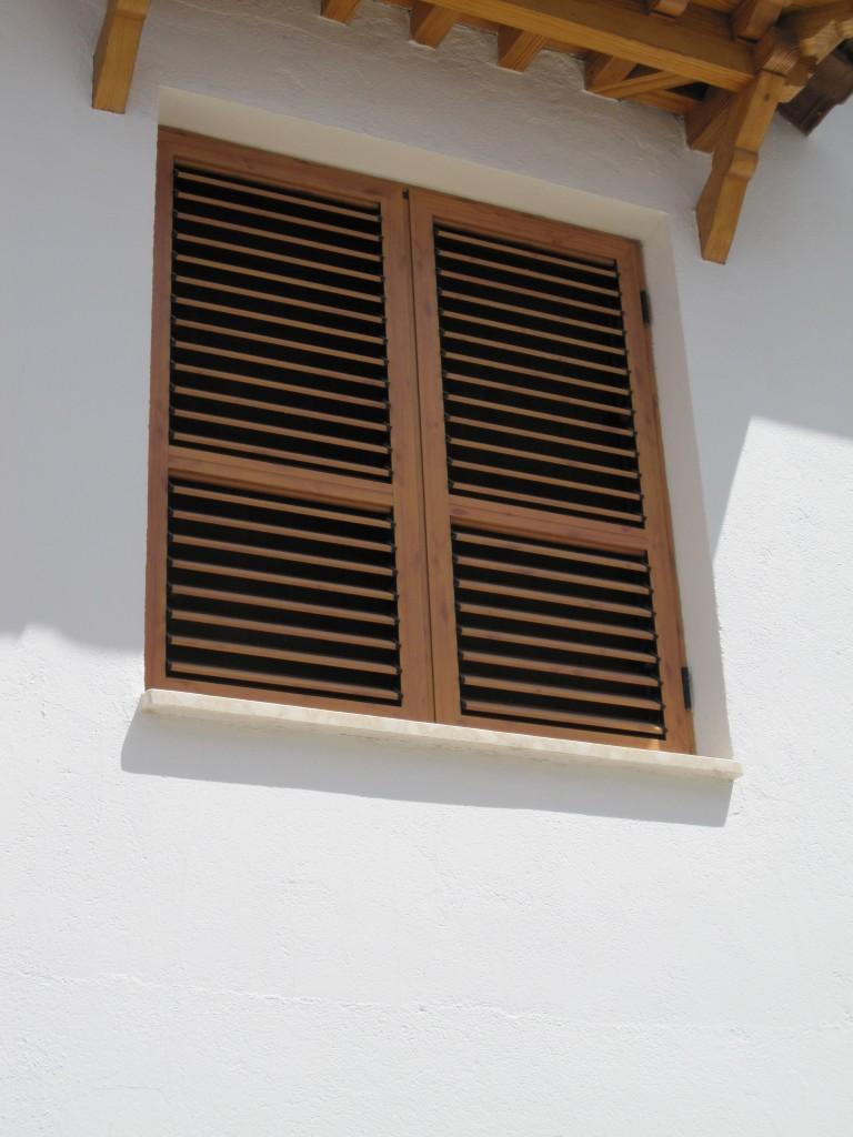 Mallorquinas mavero s l carpinter a y ventanas de for Persiana claraboya